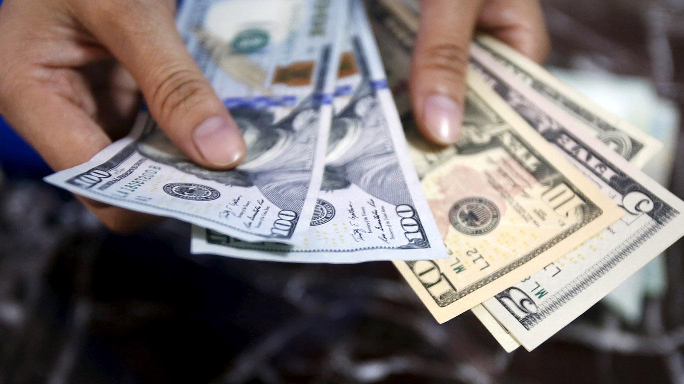 قیمت دلار و یورو در بازار امروز شنبه سوم خردادماه ۹۹/ کاهش قیمت رسمی ۳۳ ارز