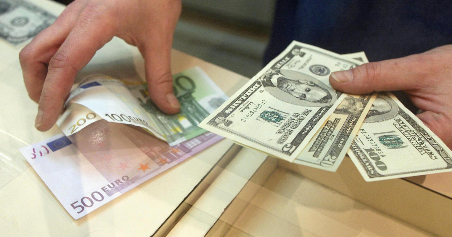 قیمت دلار و یورو امروز شنبه 21 دی 98/ دلار به 13 هزار تومان رسید